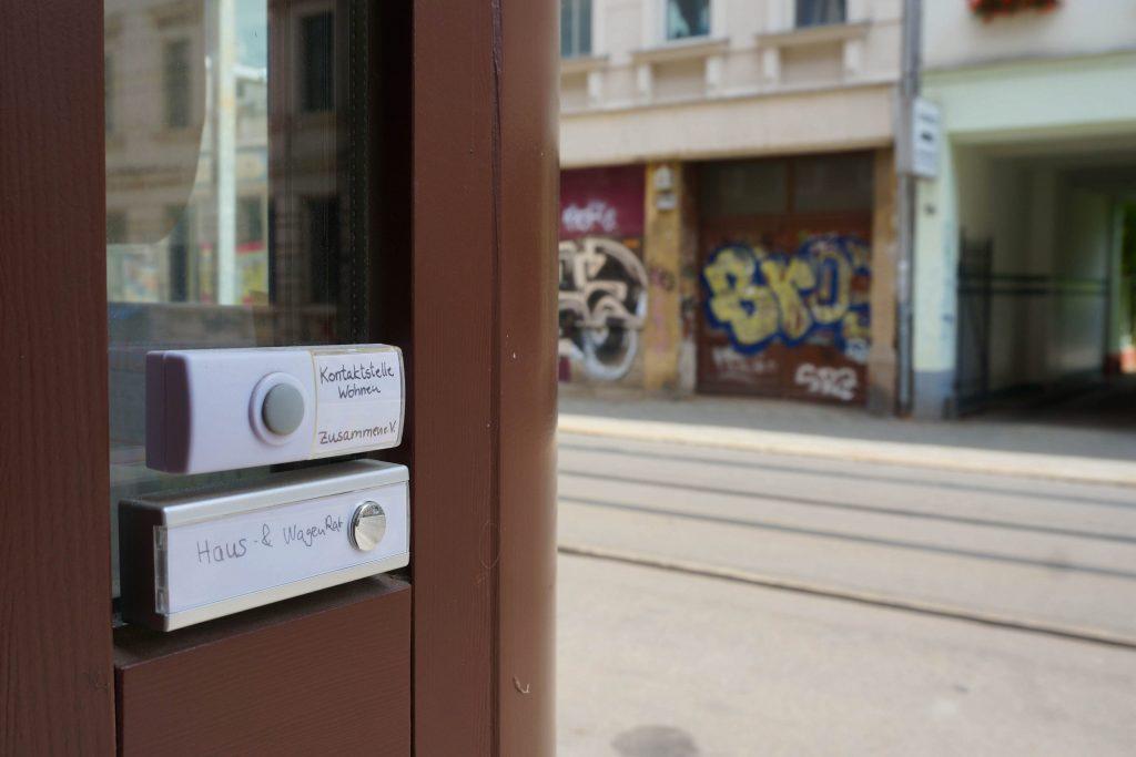 kontaktstelle-wohnen-leipzig-klingelschild