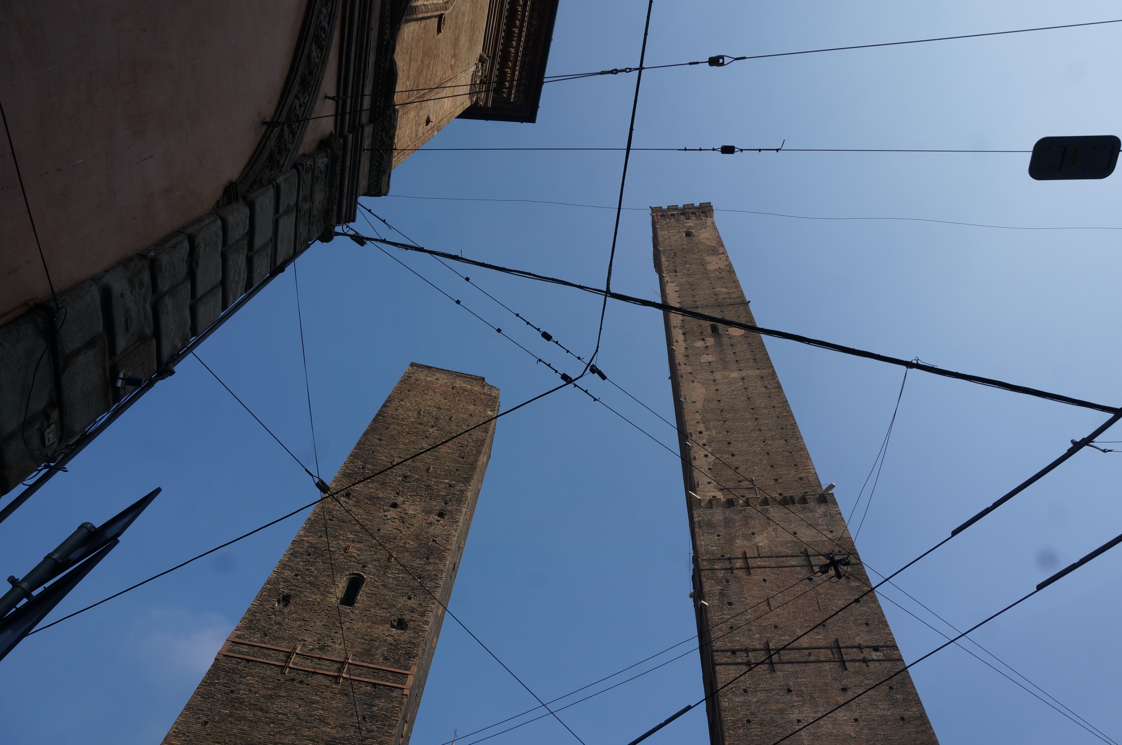 towers-of-bologna